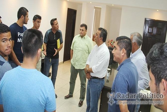 Comond ayuntamiento apoya selectivo de f tbol que va al for Oficinas pelayo